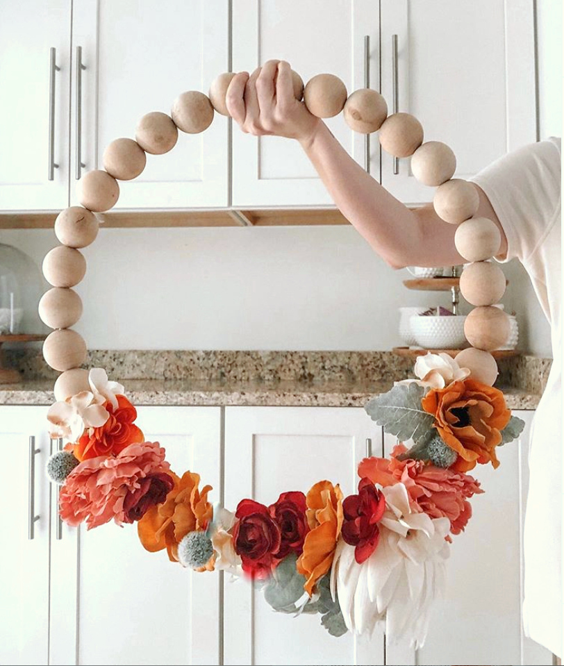 Gorgeous Wood Bead Wreath! #woodbeadwreath #howtomakewoodbeadwreath #woodenbeadwreath #diy #tutorial #outdoordecor