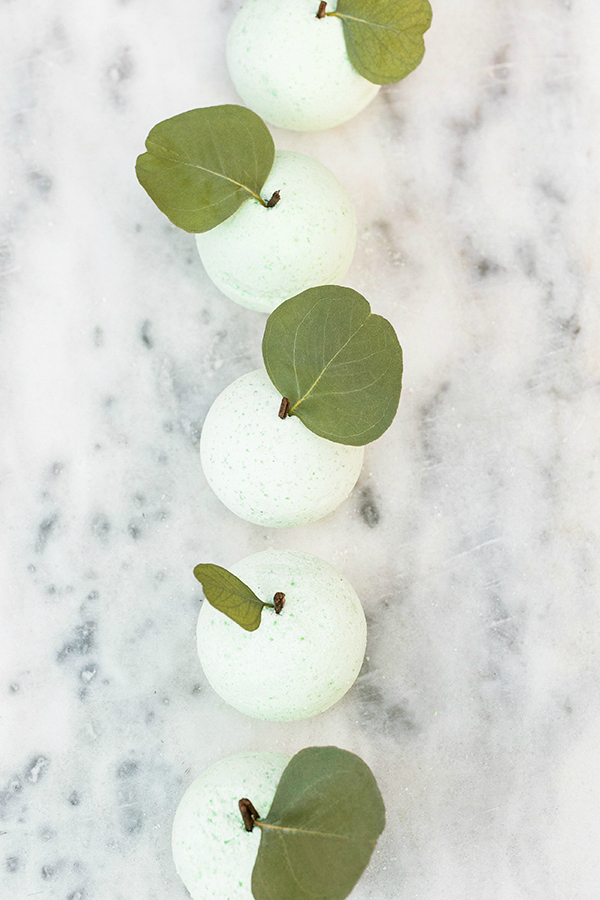 There are so many yummy bath bombs recipe combos out there but we're loving how cute these diy green apple bath bombs are! The perfect Galentines Day handmade gift idea! #bathbombrecipe #galentinesdaygiftidea #handmadegiftidea #easybathbombrecipe #applebathbomb