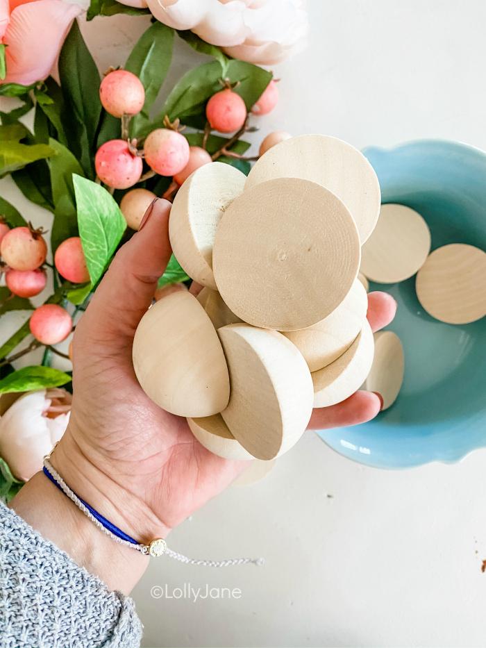 Where to get split wood balls to create a wooden wreath tutorial. DIY Wood Bead Wreath, oooh it's SO good! Click to seeeee! #wreath #wreathdiy #diywreath #springwreath #wreathsofinstagram #diyspringdecor #springdecor #woodbeadwreath