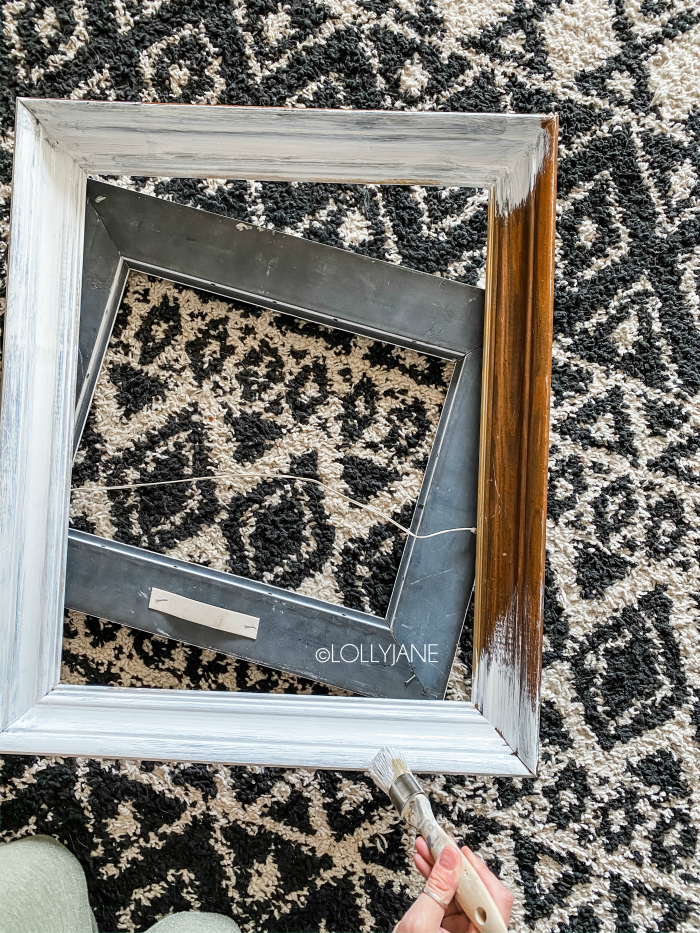 DIY painted thrift store picture frames make the best canvas frames!! Don't pass up chunky frames, add them to a canvas to easily frame them. #diyframe #thriftframe #thriftstorefinds #paintedframe #thriftstorepictureframe