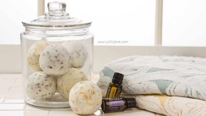 Wondering how to get started with essential oils? Grab a starter kit then learn to create natural beauty products, homemade cleaners, yummy room sprays and easy rollerball blends! #essentialoils #doterraoils #doterrastarterkit #starterkitdoterra