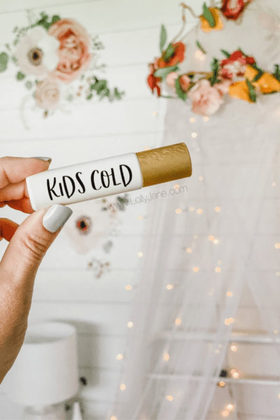 This super blend kids cold rollerball blend is made up from 5 oils. They each have their own incredible benefits but together, they're a power team! #essentialoils #kidscoldessentialoils #kidscoldcoughrollerblend #kidscolddoterrablend