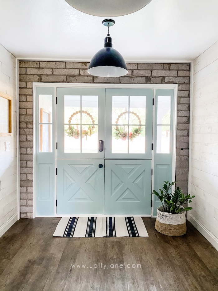 Loving our newly installed double dutch doors, such a fun color that brings out the farmhouse charm in our older home. #dutchdoor #doubledutchdoors #frenchdutchdoors #farmhousedutchdoors #dutchdoor #simpsondutchdoor