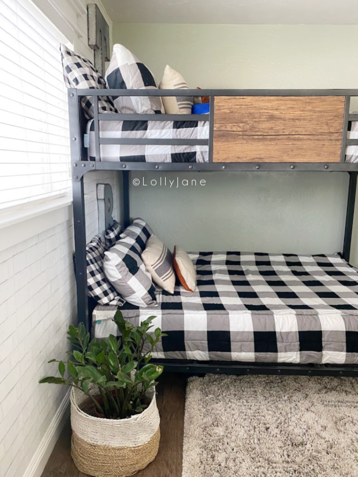 This is the best bunk bed for teen boys. Stylish and sturdy, it'll grow up with them. Such a great full on full bunk bed! #bunkbed #industrialbunkbed #fullonfullbunk #teenbunkbed #boyssharedroom