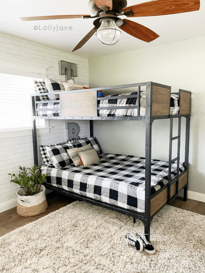 This is the best bunk bed for teenage boys! Looking for a shared bedroom bunk bed? This one is sturdy and can grow with them! #sharedbedroombunkbed #boysbunkbed #sharedbunkidea #vintagebunkbed #industrialbunkbed