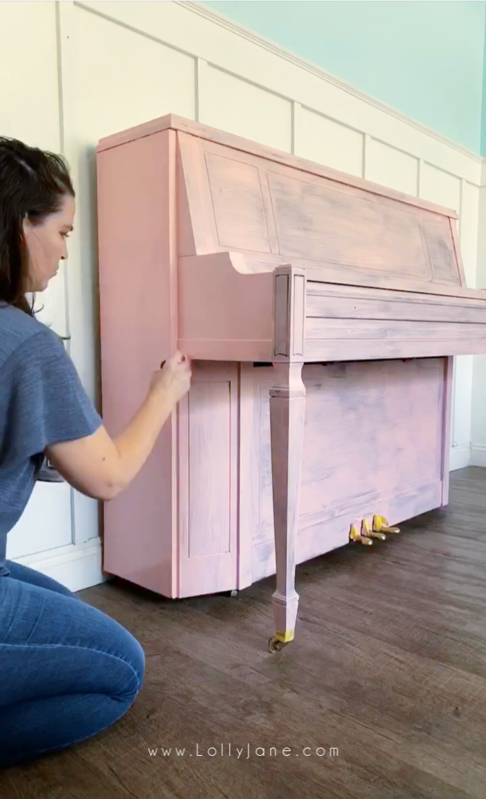 Paint 2-3 coats of paint on a thrifted piano to give it new life! Follow these easy steps to transform this piano in a quick few hours! #howtopaintpiano #paintedpiano #pinkpiano #pinkpaintedpiano #paintedpianotutorial