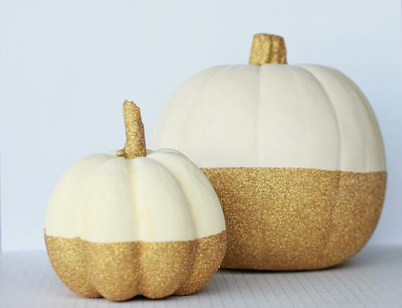 DIY Glitter Dollar Store Pumpkins... SO easy for makers of any level! #falldecor #falldecoration #fallcraft #fallcrafts #pumpkincrafts #pumpkincraft #pumpkin #dollarstorecrafts