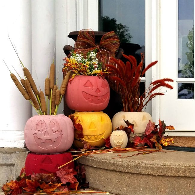 DIY Cement Pumpkins, so cute and easy to make for fall OR Halloween!