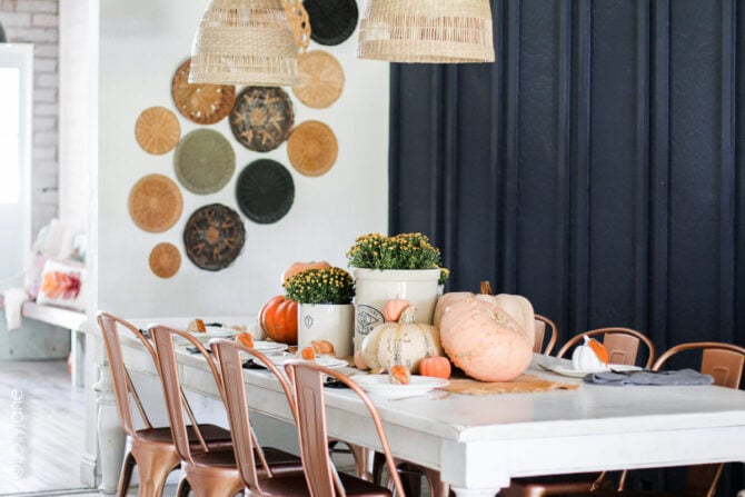 Make a quick batch of place card holders to take your fall get together to the next level and make guests feel extra welcome! Easy for DIYers of any level, and so cute! #thanksgiving #fallparty #placecards #namecards #diy #falldecor #falldecorations
