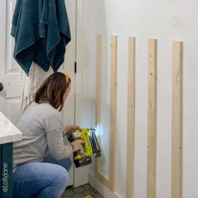 DIY Board + Batten Accent Wall, easy project for beginning woodworkers and really makes a space come to life! #boardandbatten #boardbatten #diy #accentwall #woodoworking