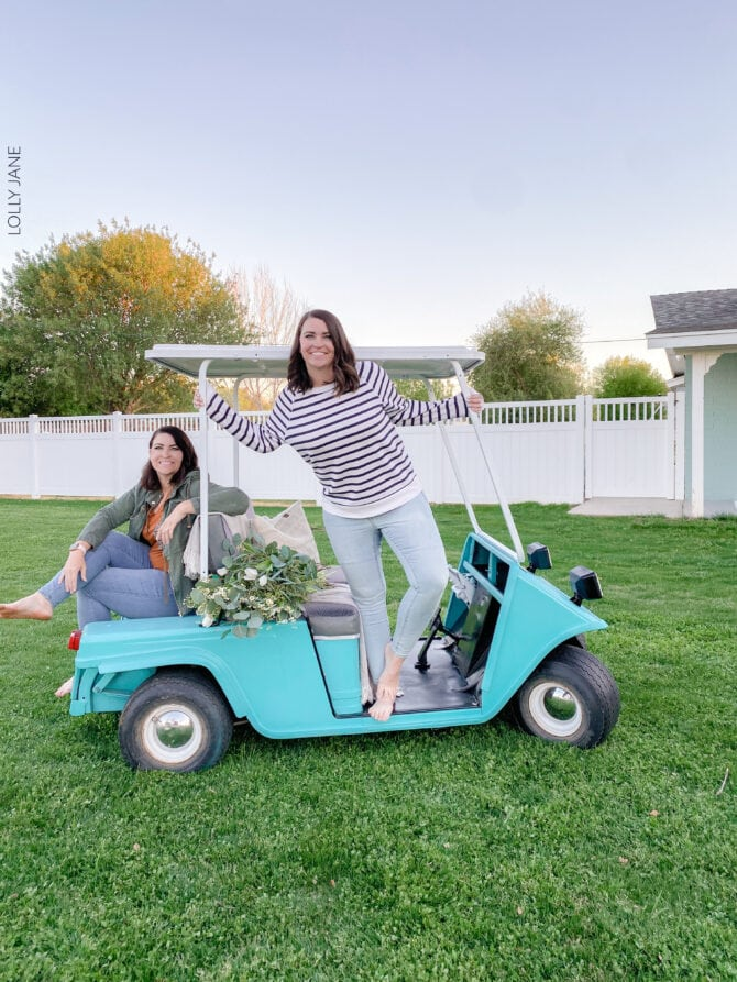 Golf cart makeover! From blah to ta-da... look at the full transformation to get this look with step-by-step instructions! #golfcart #golfcartmakeover #paint #paintingtips #painttips #spraypaint #spraypainting #spraypainttips