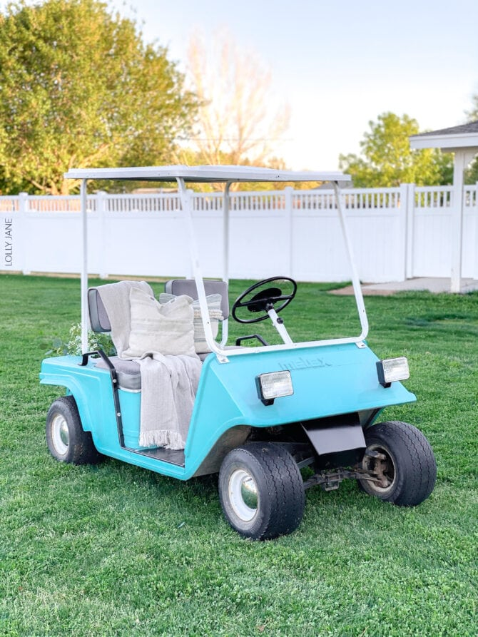 WOW! What a transformation! Makeover your own golf cart with COLORSHOT spray paint from Home Depot... you won't believe the before! #golfcart #golfcartmakeover #paint #paintingtips #painttips #spraypaint #spraypainting #spraypainttips