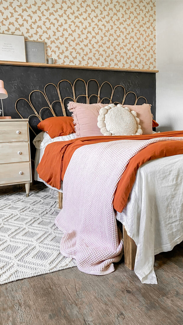Bohemian style guest bedroom, love the shared handy hostess tips + tricks!