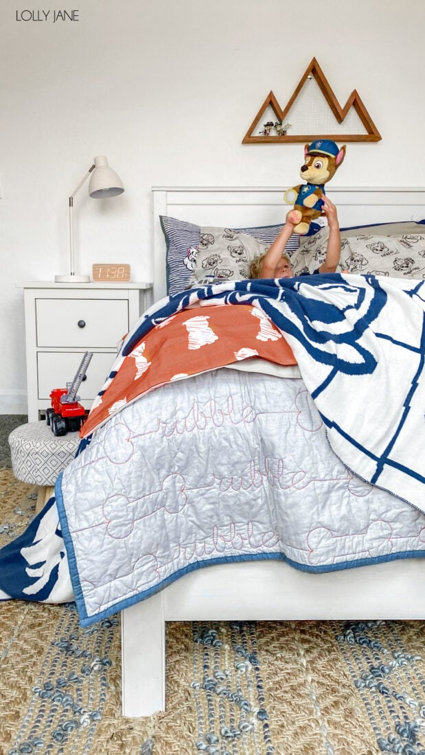 Boutique style Paw Patrol character bedding complete with a plush throw, stitched comforter and cozy shams? Yes please! Any Paw Patrol loving kid would LOVE any piece of this bedding set in their own space!