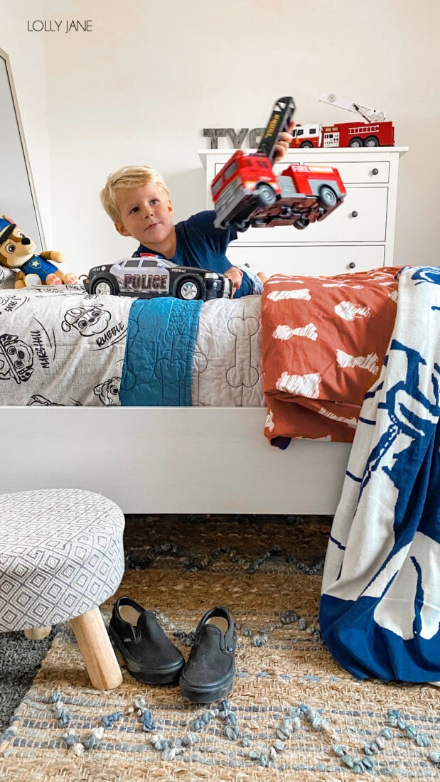 Every Paw Patrol loving kid NEEDS this fun character bedding in their own room! Cute Paw Patrol themed bedding... from the cute characters to the detailed stitching, so fun!