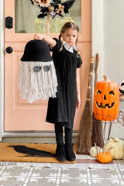 Cousin Itt Treat Bucket DIY, the perfect accessory to your spookily dressed Wednesday Addams!